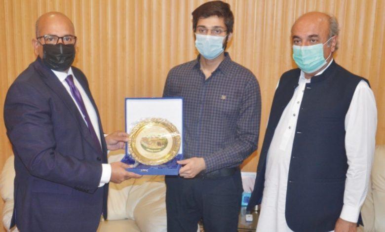 ڈاکٹر عظمان طارق